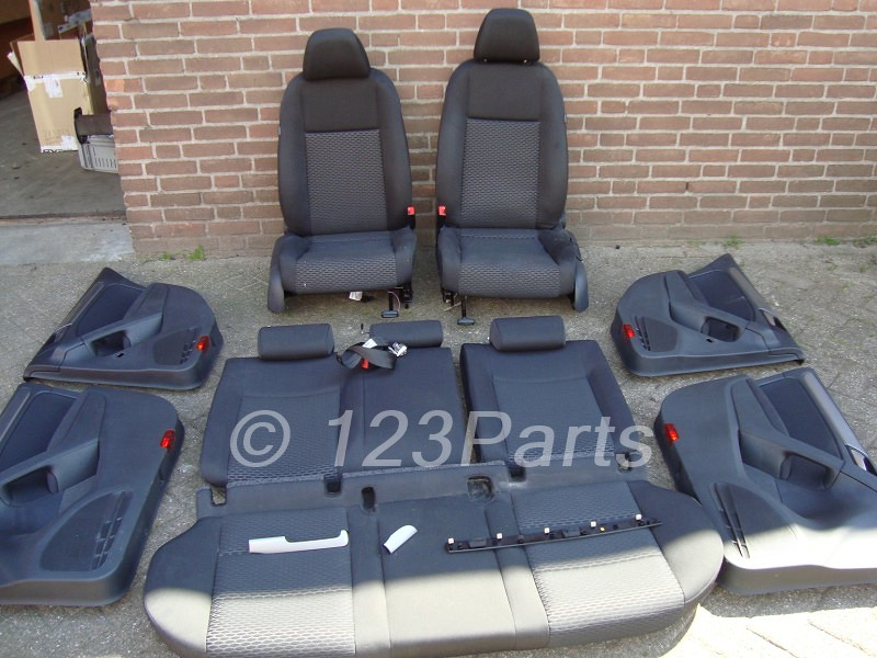 Interieur volkswagen golf 6 zwart stof 5 deurs 123parts for Audi interieur onderdelen